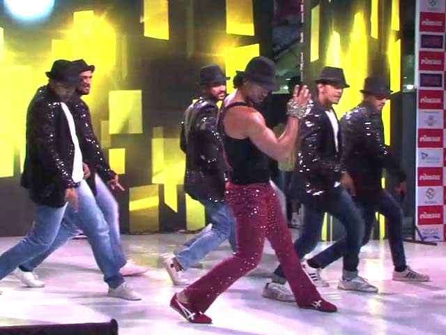 Video : Tiger Shroff's Tribute To Michael Jackson