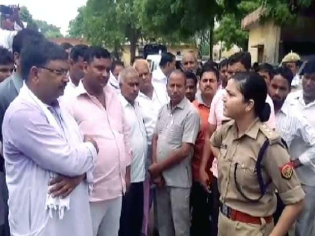 Video : यूपी में बीजेपी नेता का चालान काटने वाली 'लेडी सिंघम' श्रेष्ठा सिंह का ट्रांसफर