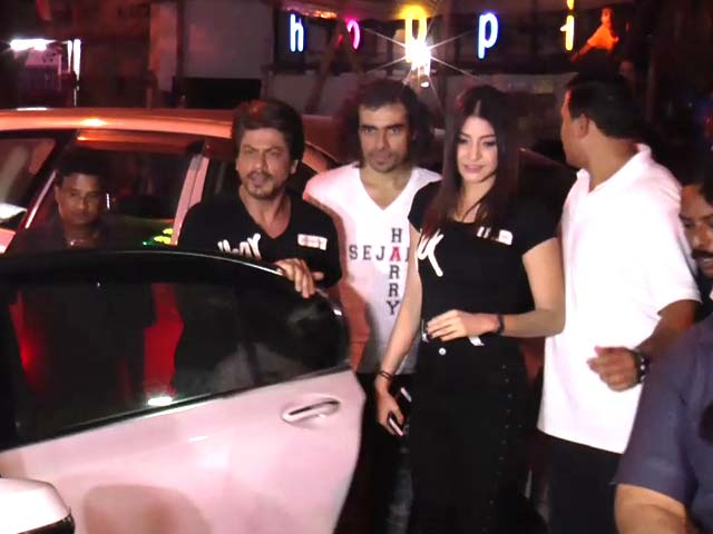 Video : SRK, Anushka Sharma & Imtiaz Ali Party Hard On A Monday Night