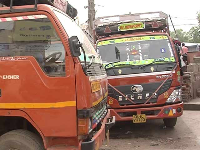 Video : 'No Work, No Income': Bumpy Ride For Truck Owners, Drivers Post GST