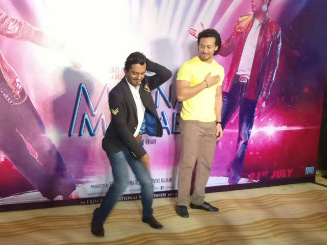 Video : Dance-Off Vs Tiger Shroff - Who Dares? Nawazuddin Siddiqui, Brave Man, Dares