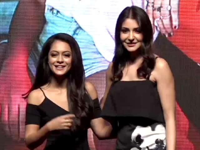 Video : Anushka Sharma Introduces YRF's New Girl, Anya Singh
