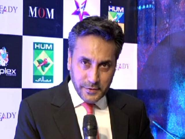 Video : <i>MOM</i> Actor Adnan Siddiqui Sends Best Wishes From Pakistan