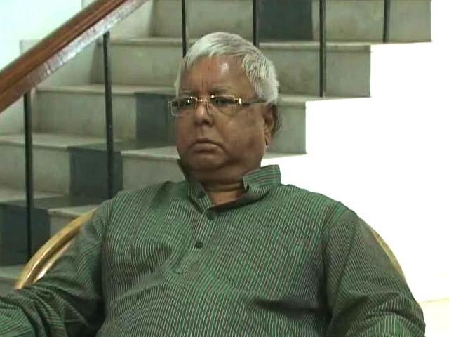 Video : Lalu Yadav, Family Raided: Ally Nitish Kumar Silent