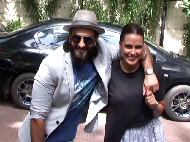 Video : Ranveer Singh Spotted With Neha Dhupia