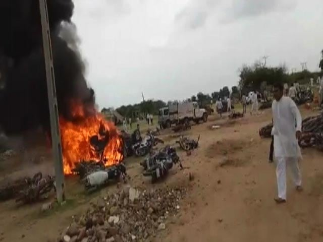 Video : 2 Dead, Several Injured In Caste Clashes In Gujarat's Saurashtra Region