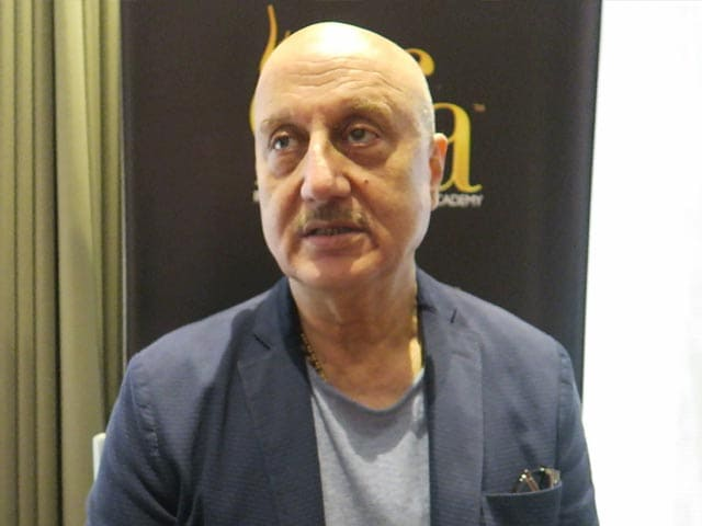 Video : Anupam Kher Backs A R Rahman After He Was Trolled For London Concert