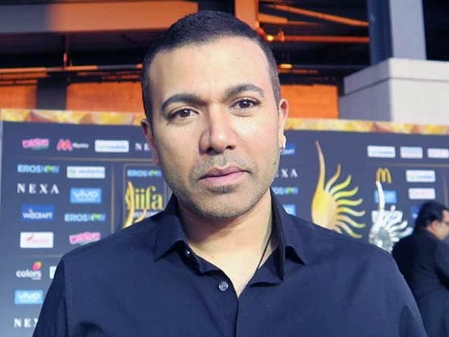 Singer Kamaal Khan Quizzed By The Media At IIFA About Salman's Accident Case