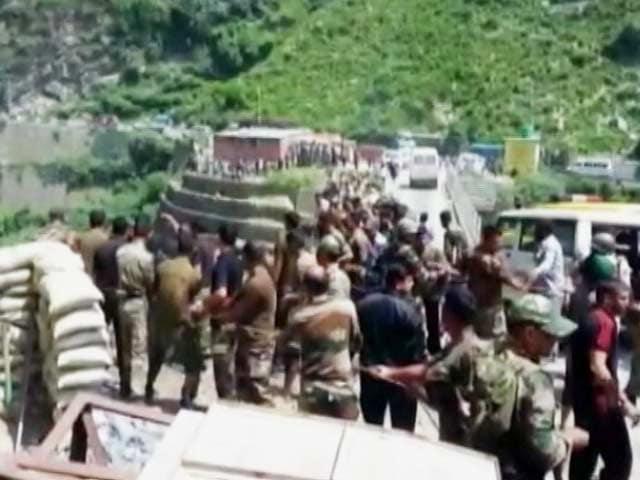 Videos : इंडिया 9 बजे : अमरनाथ यात्रियों की बस खाई में गिरी, 16 श्रद्धालुओं की मौत