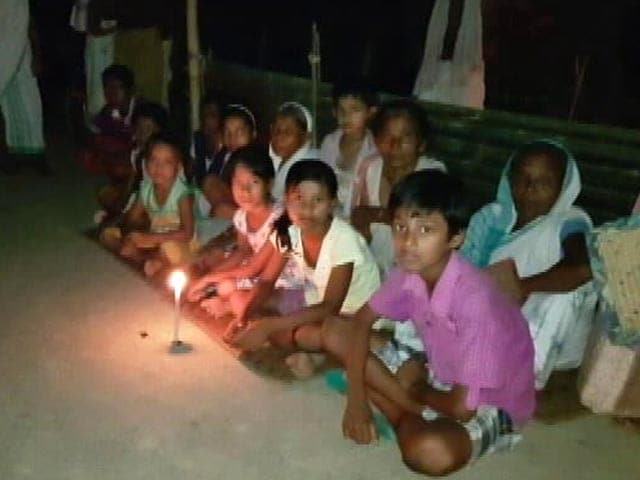 Video : 'No Electricity, Can't Sleep Due To Insects': Sleepless Nights For Assam Flood Victims