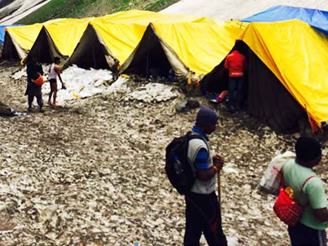 Video : Undeterred By Terror Attack, 4,000 Pilgrims March On The Amarnath Route