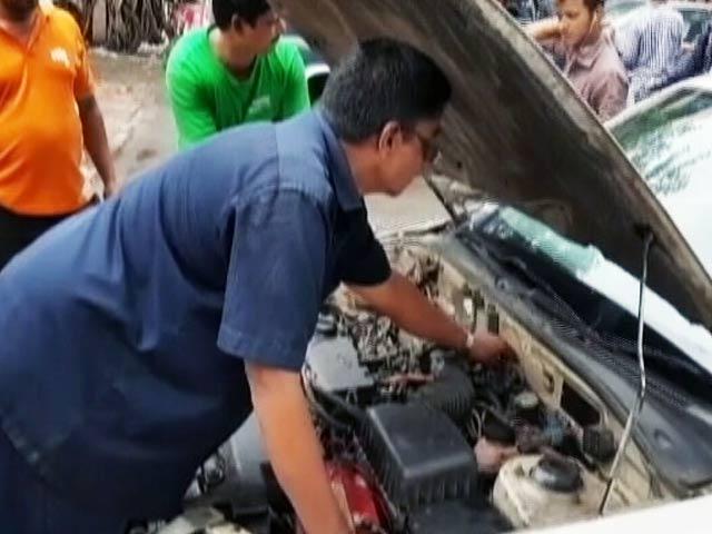 Videos : कार में आग के लिए चूहे ज़िम्मेदार?