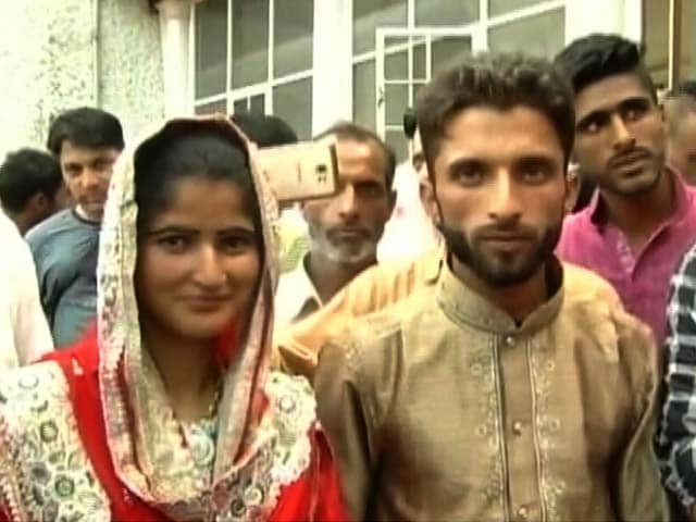 Video : After 2014 Floods, A New Hope For The Unmarried Poor In Kashmir's Baramulla
