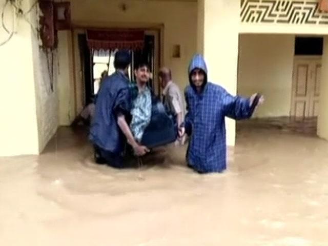 Video : भारी बारिश से पानी-पानी हुआ राजस्थान