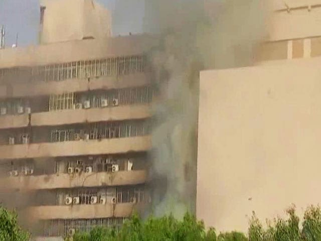 Video : Huge Fire At Delhi's Lok Nayak Bhawan, 26 Fire Engines Sent In