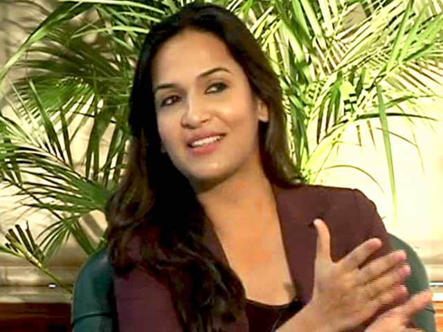Who Was Tougher To Direct Rajnikanth Or Dhanush? Soundarya Answers