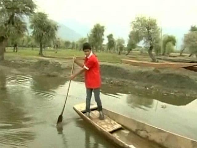 Video : 18-Year Old Appointed As The Cleanliness Ambassador In Kashmir
