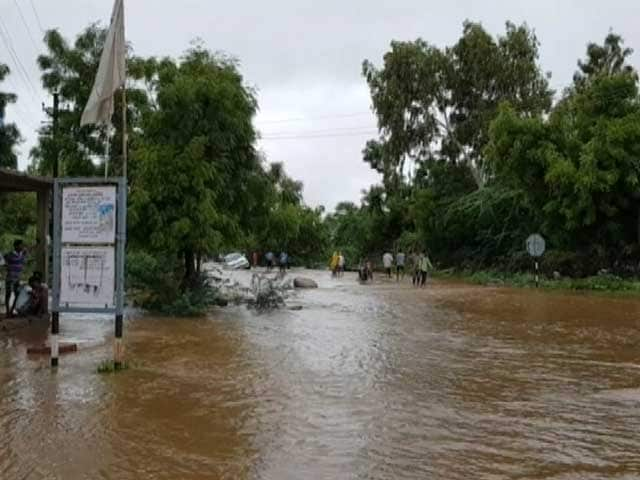 Video : Family of 7 Rescued From Tree After 40 Hours in Flood-Hit Rajasthan