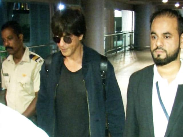 Shah Rukh Khan Returns To Mumbai From Los Angeles