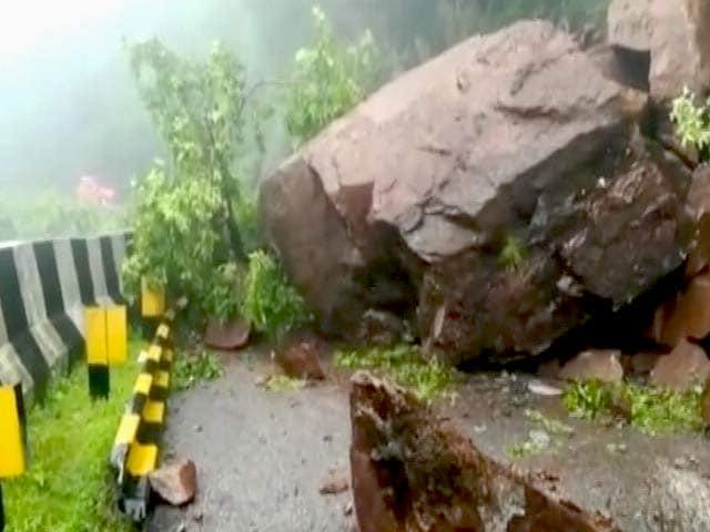 Video : माउंट आबू में फंसे 2000 सैलानी
