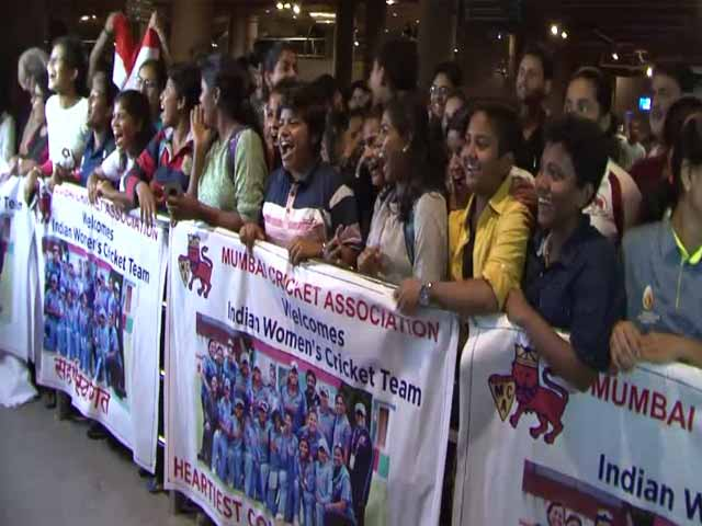 Indian Women's Cricket Team Back In Mumbai