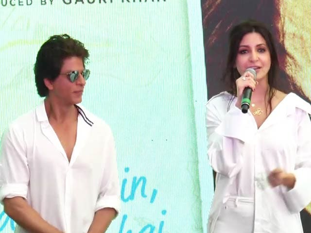 Video : Romancing Shah Rukh Khan Is Extremely Easy: Anushka Sharma