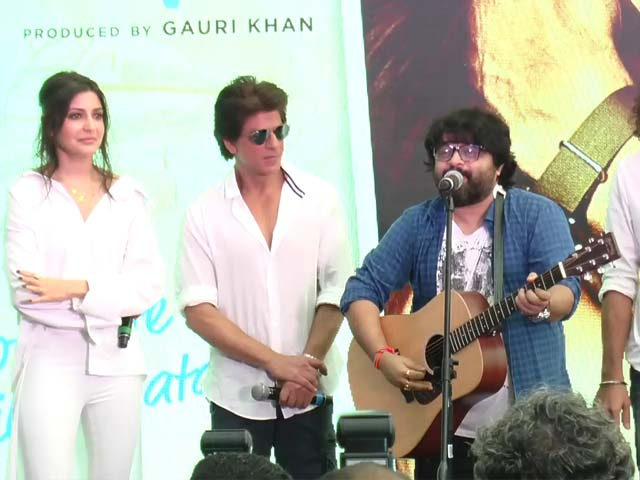 Video : SRK, Anushka, Imtiaz & Pritam At <i>Hawayein</i> Song Launch