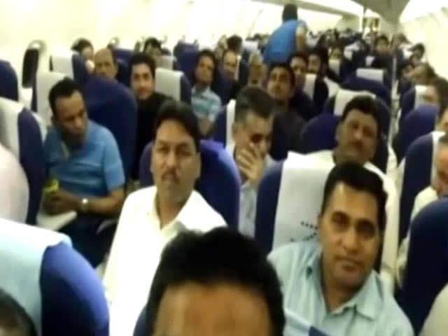 Video : Congress Express Delivers 40 Gujarat Lawmakers To Bengaluru