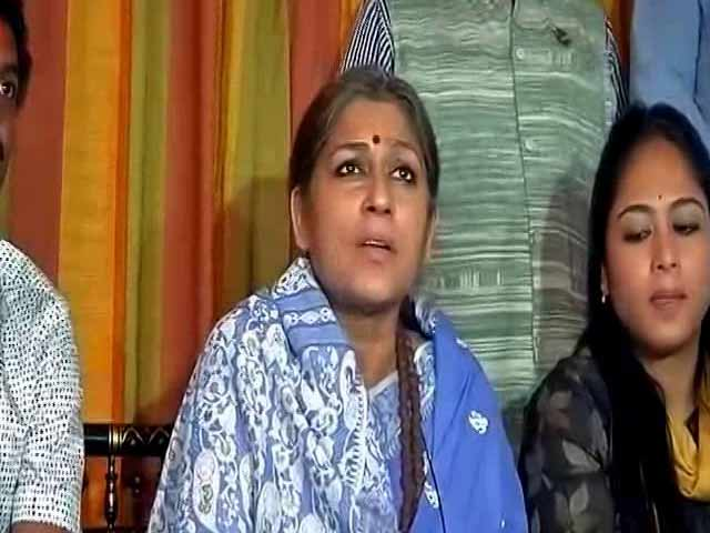 Video : BJP's Roopa Ganguly Questioned By CID In Child Trafficking Case