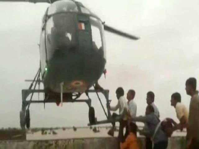 Video : In Flood-Hit Gujarat, IAF Helicopter Pilots Pull Incredible Rescue