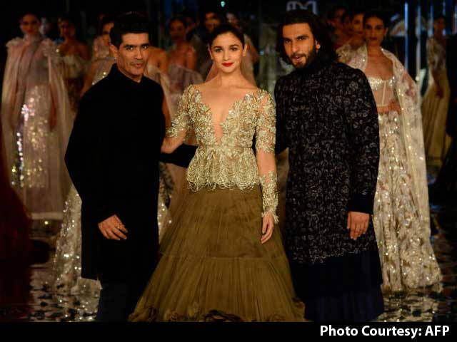 Ranveer And Alia Ruled The Ramp At ICW 2017