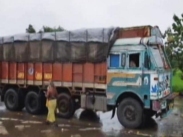 Video : Truckers Say Woes Not Adequately Addressed By GST Rollout