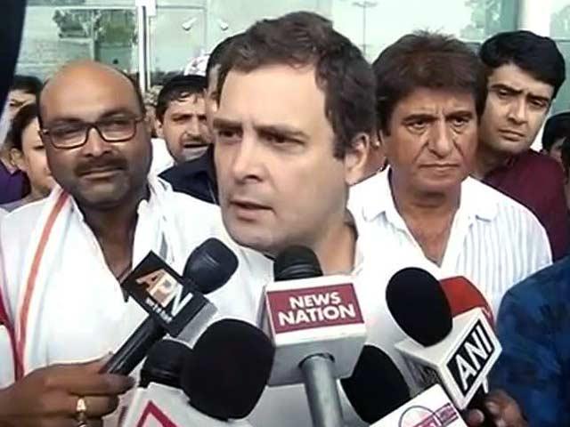 Video : लखनऊ के दौरे पर राहुल गांधी, किसानों की आवाज उठाई