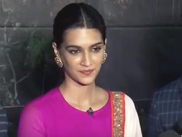Video : Who Is Bhairavi Goswami? Asks Kriti Sanon