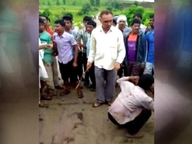 Videos : मध्यप्रदेश में गोरक्षा के नाम पर पिटाई