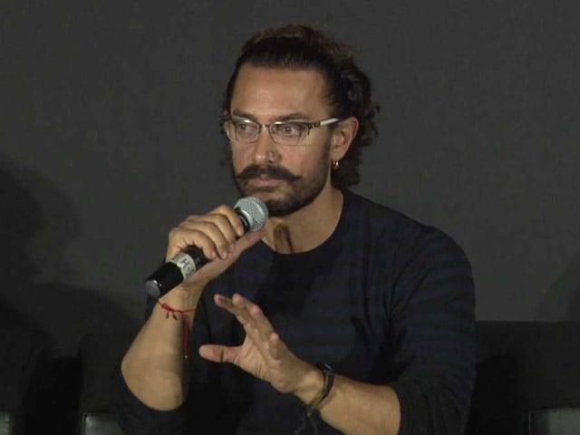 Video : 'ब्लू व्हेल' पर बोले आमिर खान - माता-पिता और शिक्षक दें बच्चों पर ध्यान