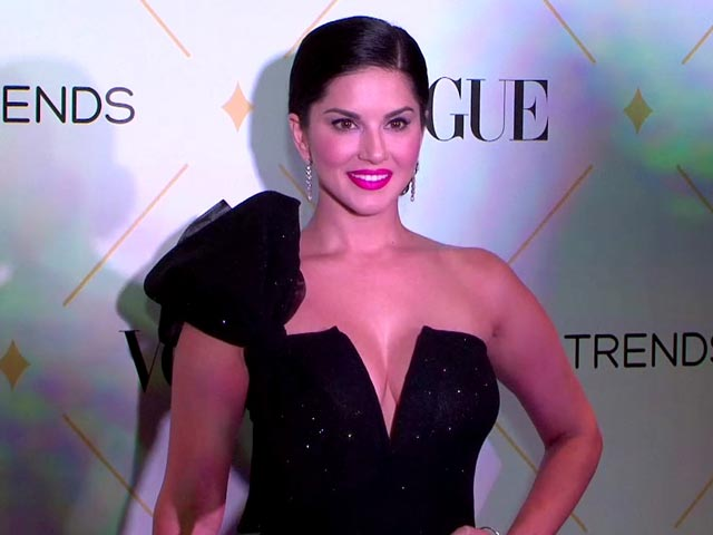 Stunning Sunny Leone Speaks About Her Adopted Child At The Beauty Awards