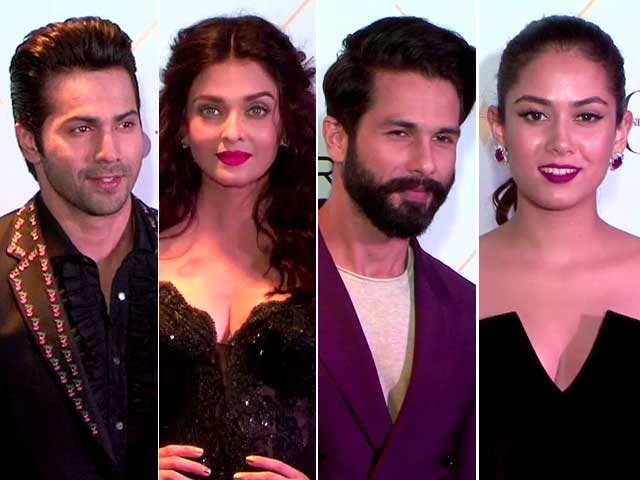 Top Bollywood Stars At Vogue Beauty Awards Red Carpet