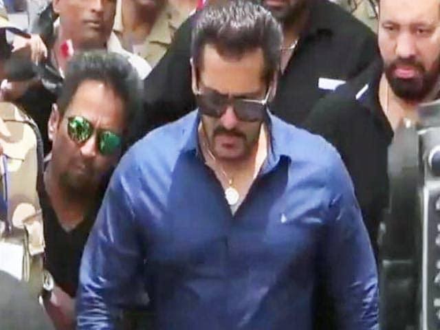 Video : सलमान खान जोधपुर कोर्ट में हुए पेश