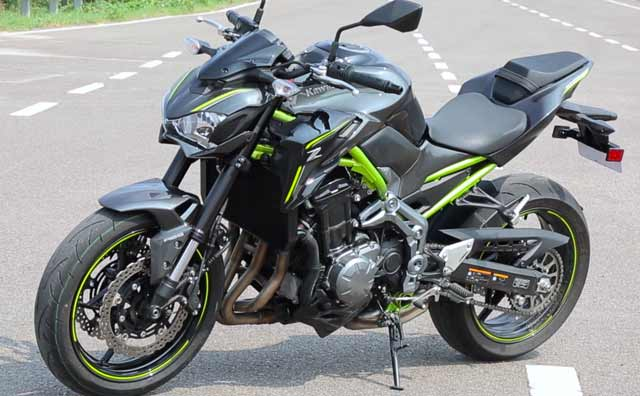 Video : Kawasaki  Z900 Review