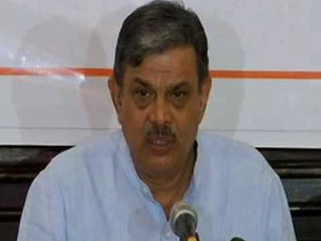 Videos : इंडिया 8 बजे: केरल में आरएसएस कार्यकर्ताओं की हत्याएं हो रही हैं: दत्तात्रेय होसबोले