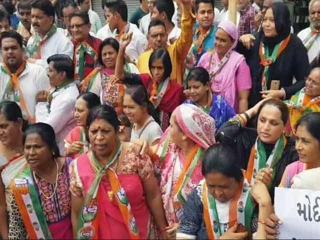 Video : गुजरात में राहुल गांधी के काफिले पर हुए हमले पर राजनीतिक रस्साकशी