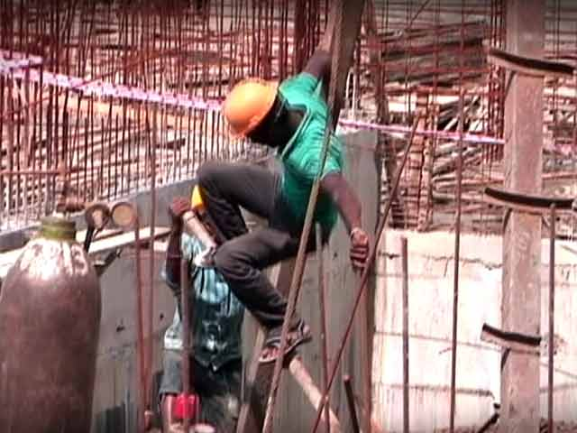 Video : Hidden Cameras Record A Dark Reality Of India's Construction Sites