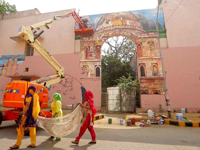 Video : Introducing Art Across Public Spaces In India
