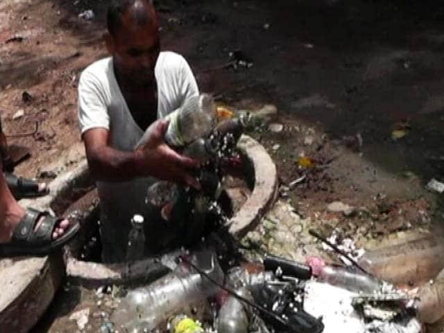 Video : प्राइम टाइम इंट्रो: ख़राब हैं सफ़ाईकर्मियों के हालात