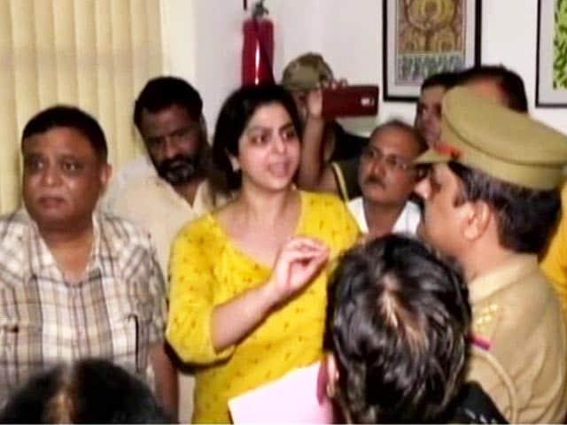 Video : गाजियाबाद:  गोयनका स्कूल में छात्र की मौत पर अभिभावकों ने लगाए गंभीर आरोप