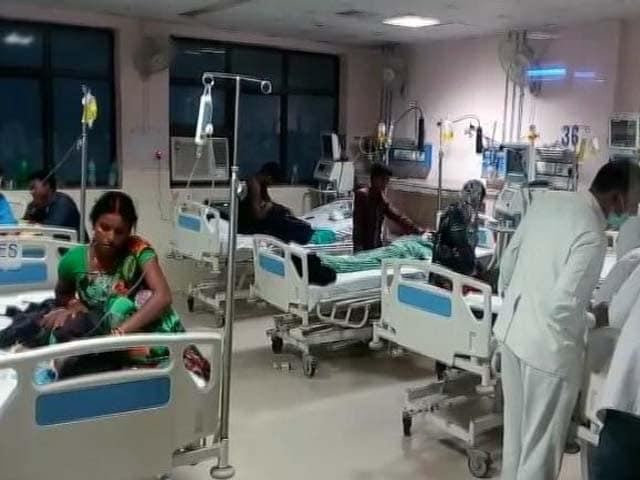 Videos : नेशनल रिपोर्टर : गोरखपुर के बीआरडी मेडिकल कॉलेज में 30 बच्चों की मौत