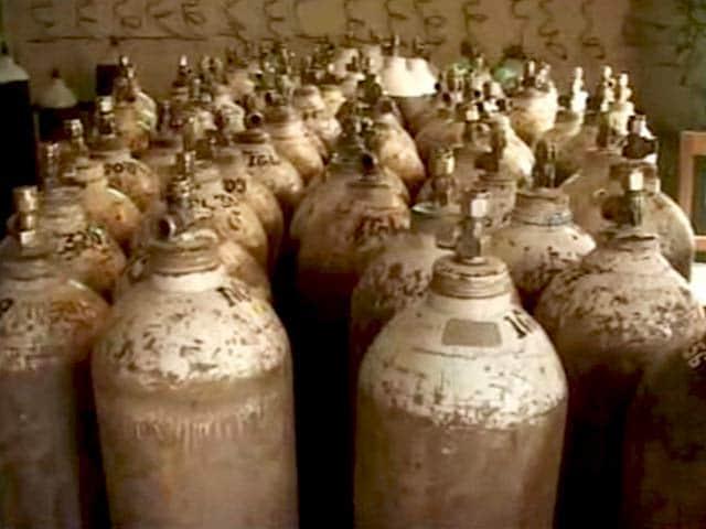Videos : गोरखपुर अस्पताल हादसा: ऑक्सीजन का बकाया था 63 लाख रुपए