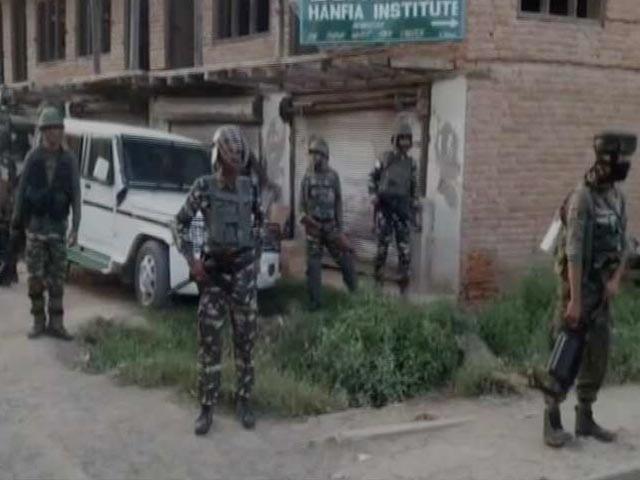 Videos : कश्मीर के शोपियां में मुठभेड़, दो जवान शहीद