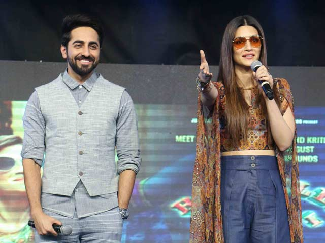 Kriti Sanon & Ayushmann Khurrana Interact With College Students